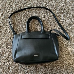Nine west shoulder bag w/ adjustable strap